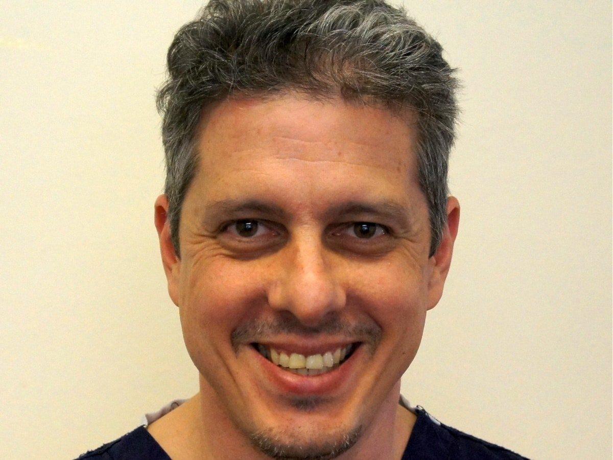 Dr. Robert Dyas